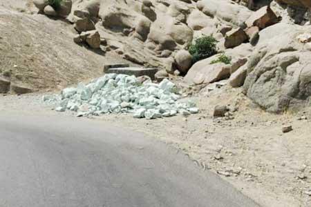 هجوم سنگ های غریبه به مامن ارواح سنگی