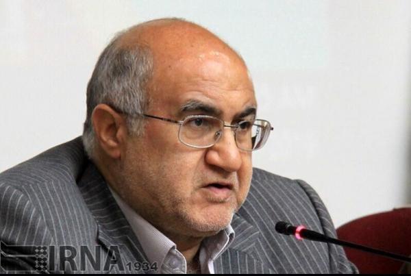 خبرنگاران وزیر صمت برای مسئولیت اجتماعی بنگاه های اقتصادی جایگاه قانونی تصویب کند